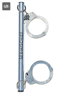 Sex & Mischief - Spreader Bar with Metal Cuffs
